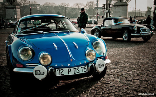 motoverso:  Alpine à Paris (2) by alex6bernard on Flickr.   Wow, both…. the MGA in the back, and the Alpine…