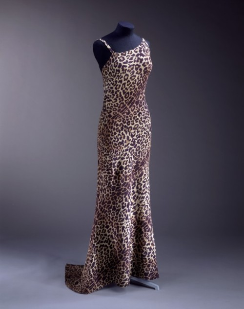 Dress 1936 The Victoria & Albert Museum
