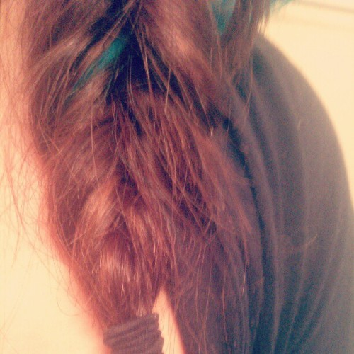 My braid got messed up. #turquoisehair #brownhair #brunette #hairtie #black #braid #fishtailbraid #messy #messedup #splitends #instalike #instahub #instagood  (Taken with Instagram)