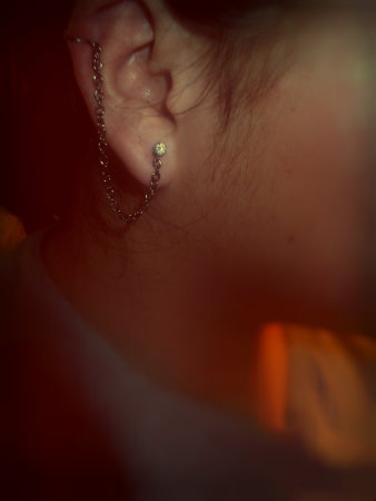 My quick and cheap earring chain :D Me gusta~~