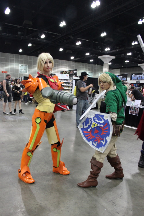 candicemarisa:  3 2 1 GO! Samus & I at Comikaze today. More photos here v www.facebook.com/candicemarisaofficial *** TAG THE PEOPLE YOU KNOW, please. ***  Check it out, my friend is a badass! (She's Link…not sure who Samus is)