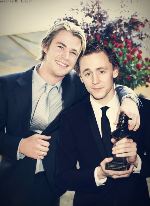 hiddleswiggles:  arsonist01:  Teenager ver. Hiddlesworth  Cute as unf.   WEDDING PICTURE. Whoops… Did I said that out loud?