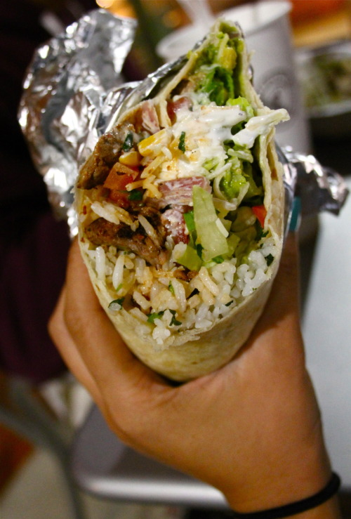hannasaurousrex:  you know you eat too much chipotle when you can distinguish between a normal burrito and a chipotle burrito……..