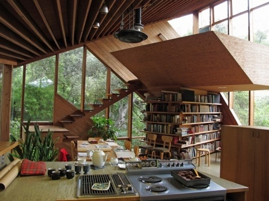 tfqme:  wooden interior, cool!! I like the book shelf.