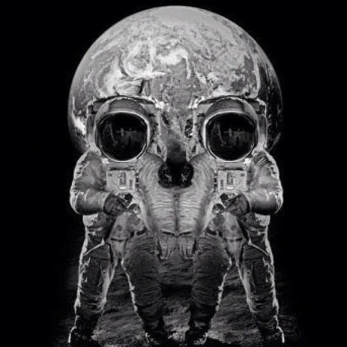 #Astronauts #moon #optical #illusion #skull  (Taken with Instagram)