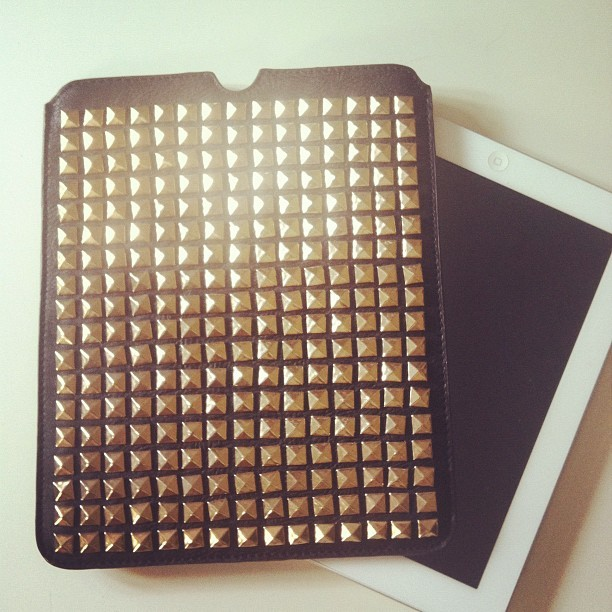 new ipad case. de venta en @thecorner_shop (Tomada con Instagram)