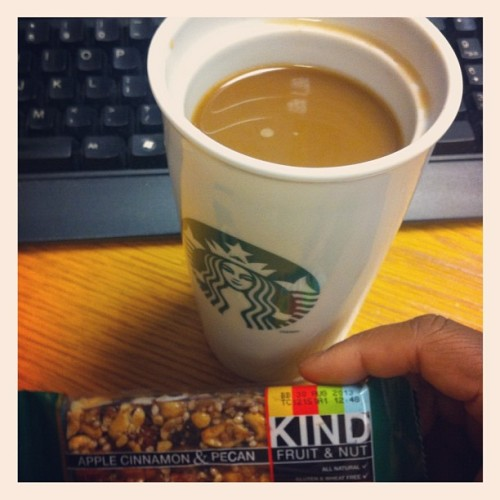 #starbucks #kind #bar #breakfast (Taken with Instagram)