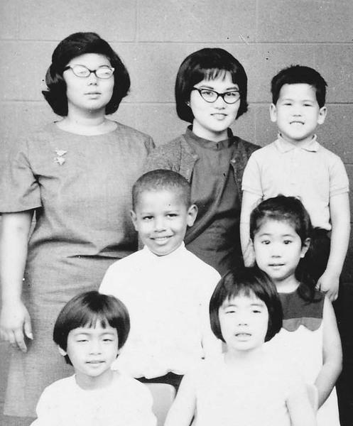 buzzfeed:  This is a photo of a five-year-old Barack Obama in kindergarten and it is just adorable.