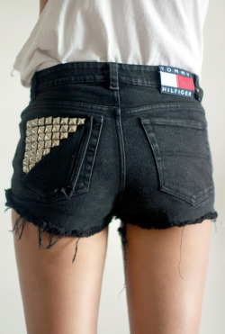 Want dem shorts.