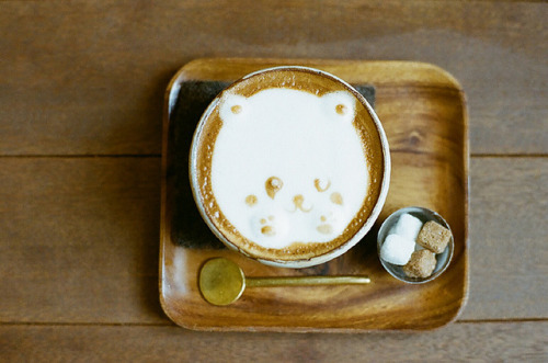 goyangie:  café au lait by I.E. on Flickr.