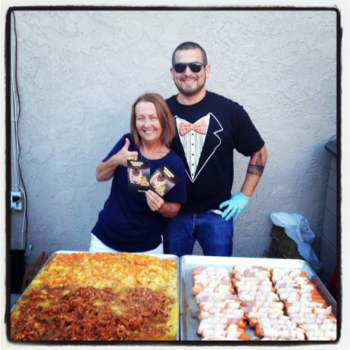 Josh helped us out Catering in Costa Mesa recently and the customer was happy.  Remember we cater a variety of different items. Here we are grilling bacon wrapped hot dogs and some meat for taco's.  Books us for your next event!  mrhotbunz:  #costamesa #catering @theamericandr3am Thank you Josh #tacos #baconwrappedhotdogs (Taken with Instagram)