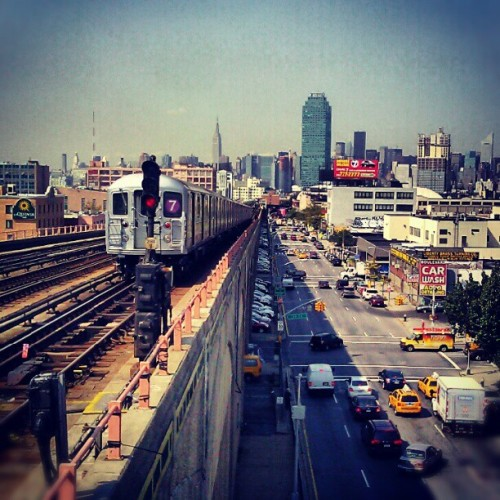 sososoulful:  Day 2 in Queens., #Queens #LongIslandCity #Astoria #QueensBoulevard #NewYorkCity #7Train #ManhattanBound (Taken with Instagram at MTA Subway - 40th St/Lowery St (7))