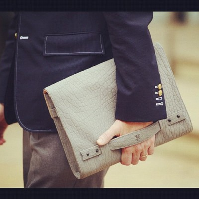 #Love a man who knows how to hold d good stuff!! Monday #MenStyle during #fashionweek  (Taken with Instagram at New York)