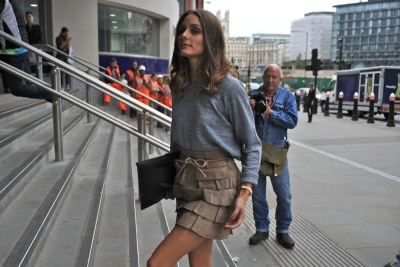 @TheRealOliviaP Olivia Palermo arrives for the Matthew Williamson show #LFW