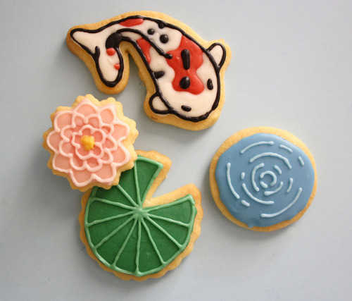 fyeahlilbitoeverything:   Fish Pond Cookies  Mother of god.