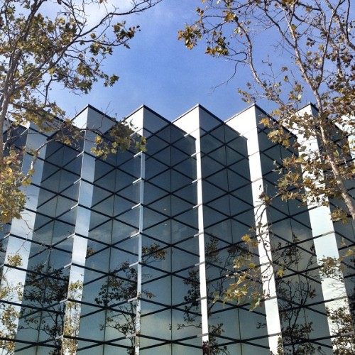 @Linkedin offices in #PaloAlto #California #architecture #archdaily #glass #reflections #instagood #iphonesia  (Taken with Instagram at LinkedIn)