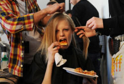 model hanne gaby eating pizza