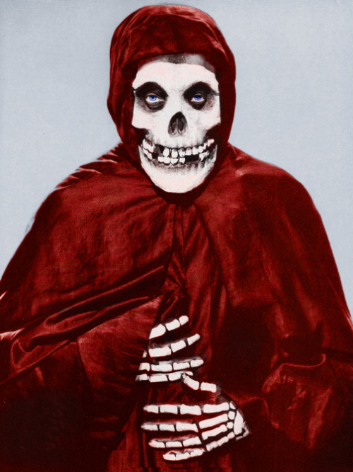 vintagegal:  The Crimson Ghost (1946)