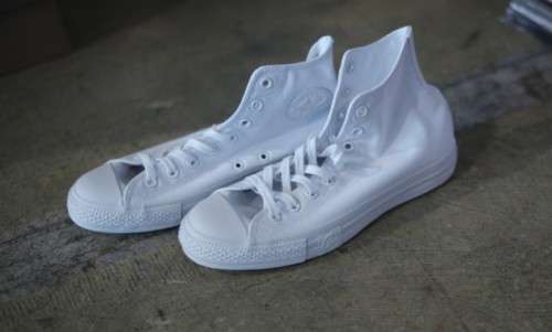 UNDFTD x fragment design x Converse Chuck Taylor - All White a look at the Chuck Taylor coming from frequent sneaker collaborators UNDFTD and fragment design.  the Chuck Taylor High in White on White to keep things clean. all white everything makes these simple and amazingly clean. click here for more pics  Related articles UNDFTD x Converse 'Born Not Made' Collection (formatmag.com)