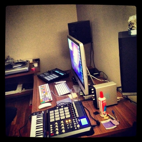 #akai #maschine #apple #beat #making #logic #instagram #instamood #instagrammers #followme #followback #teamfollow #followforfollow #jj #picoftheday #bestoftheday #photooftheday #webstagram  (Taken with Instagram)