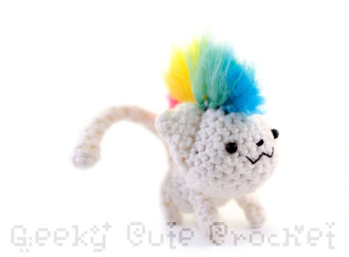 Rainbow mohawk kitty!
