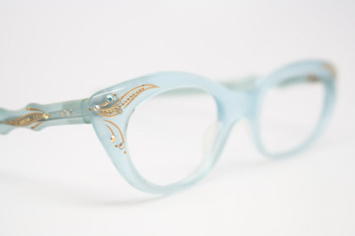 (via vintage optical shop)