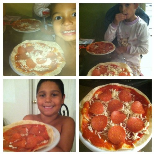 #picstitch #family #siblings #pizza #homemade #pepperonipizza #food #yummy #yummygoodnessbythehernandezcrew #fun #preciousmoments #kids  (Taken with Instagram)