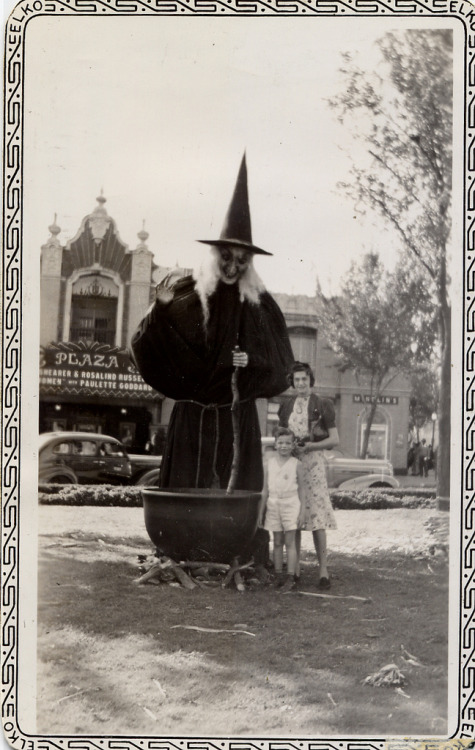 herebewitches:  Jerry, Pauline and the Witch (by Jacob…K)