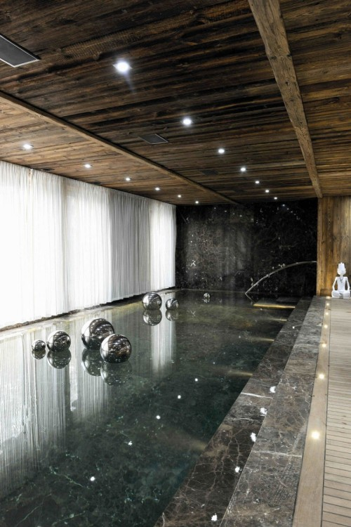 aros:  Chalet Brikell by Pure Concept  Is this a pool or a really shiny floor?