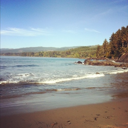 cassidypearl:  my favourite place in the whole world. #pointnopoint #sooke (Taken with Instagram)  Nice shot of Point No Point.