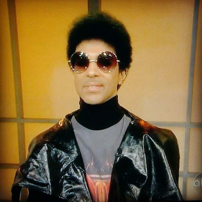 "Prince reveals new hairdo on TV, new song on radio  Prince premiered a new hairstyle when he sat down with the women of ""The View"" Monday, Sept. 17.   The 54-year-old Minneapolis native made the rare TV appearance to promote his upcoming three-night stand at the United Center in Chicago that kicks off Monday, Sept. 24.   Prince also released a new song, ""RnR Affair,"" to radio Monday morning. It's his first major new music since ""20Ten,"" a 10-song album he issued free in conjunction with a handful of European newspapers and magazines in the summer of 2010.  When asked by host Barbara Walters if he's shy, Prince smiled and said ""I'm just that way around you.""   via TwinCities.Com"