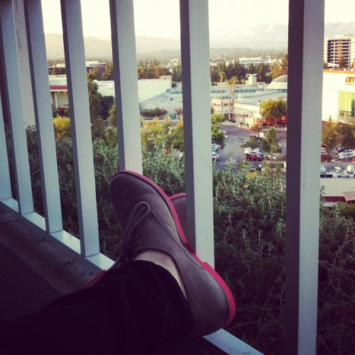 #relaxing on the #balcony before dinner. #ahhh #cali #mountains #sunset (Taken with Instagram)