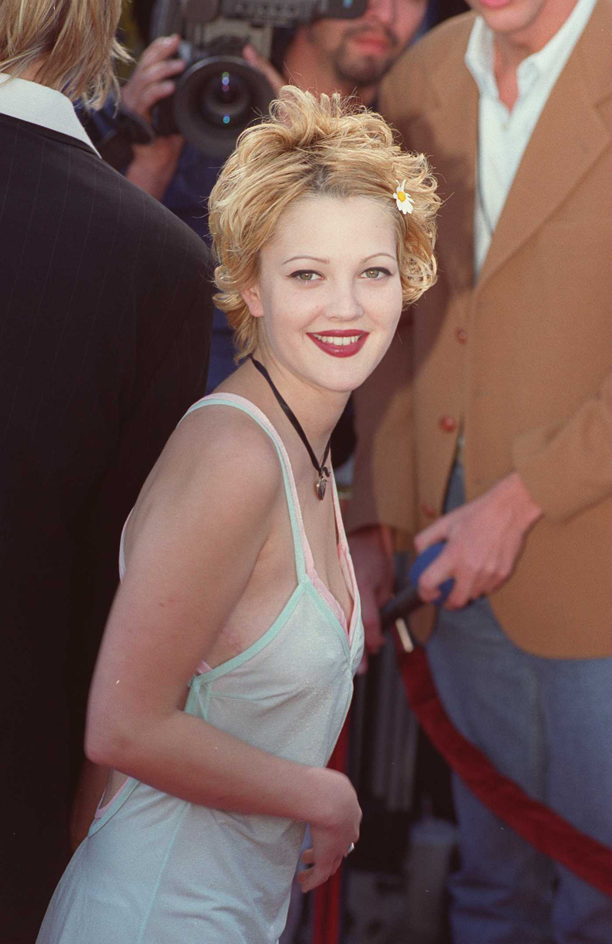 suicideblonde:  Drew Barrymore in 1995