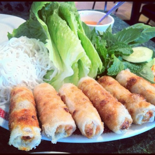 Oh yeahhhh #imperialrolls #halevietnam #foodporn #vietnamesefood #lunch #fatgirlproblems #nom  (Taken with Instagram at Hale Vietnam)