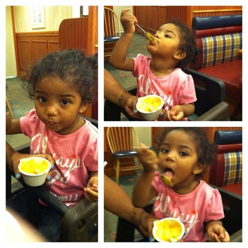 My niece lovesss her cheese 💙💙 @davincismonalisa  (Taken with Instagram)