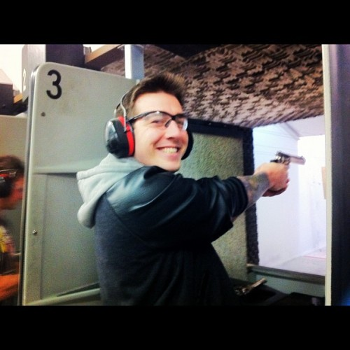 Oh how I want to go #shooting again… #me #guns #happy #smile  (Taken with Instagram)