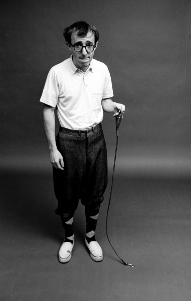 theswinginsixties:  Woody Allen walking his pet ant, 1964. Photo by Steve Schapiro.