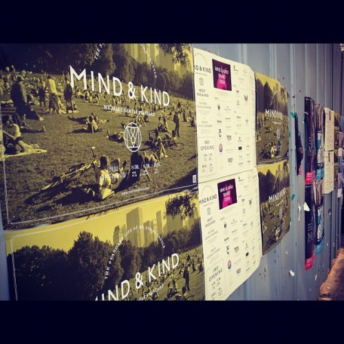 #wallposter #posters #wall #mur #seoul #hongdae #cloud33 #cloudthirtythree  (Taken with Instagram)