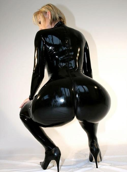 big-ass-women:  Kinky big phat ass in shiny tight pvc latex catsuit fetish  I love this