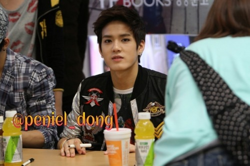 No re-editing, removing of watermark/resizing. (credit; peniel_dong)