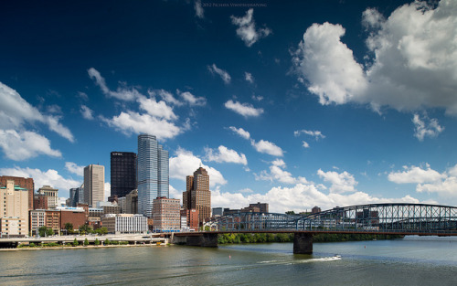 zolashine:  Pittsburgh from Station Square on Flickr.