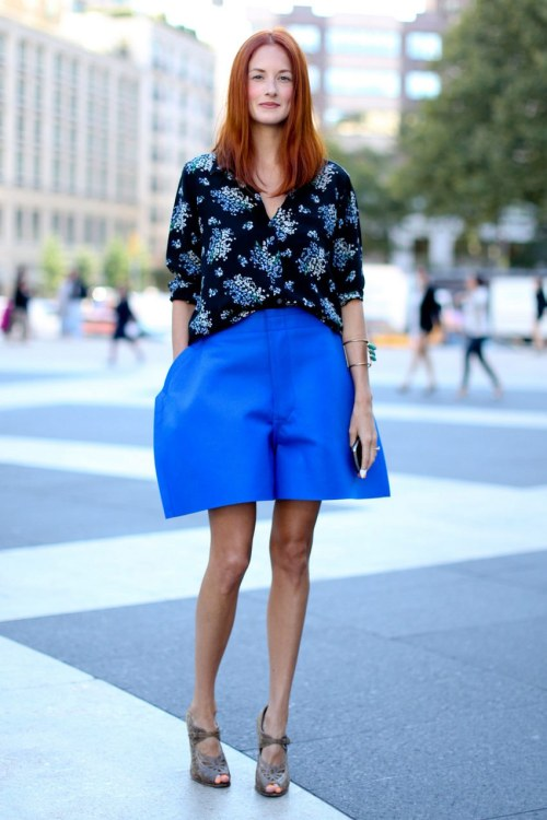 what-do-i-wear:  Taylor Tomasi Hill during NYFW Streetstyle  (image:  fashionologie)