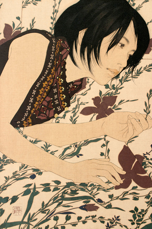 supersonicelectronic:  Ikenaga Yasunari. Ikenaga Yasunari creates his paintings of women who are dressed in, and seemingly floating in, patterned floral arrangements by painting onto linen cloth with a Menso brush, a method that gives a sense of time and fading to the work.  This idea of fading is purposefully used as Yasunari wishes to bring about dealing with the loss of beauty and giving praise to Japans artistic history. Read More