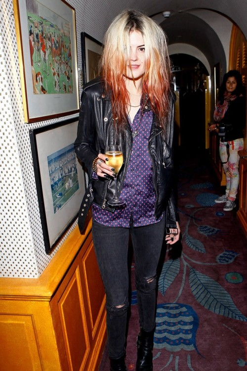 Alison Mosshart Photo by Dave Benett