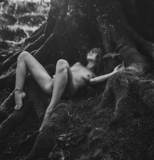 redlilith:  Breathe, eat, drink from me, I make the world possible    Photo by Arkadiy Kurta