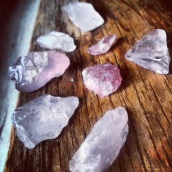 amandaxlynn:  #rosequartz #crystals (Taken with Instagram)