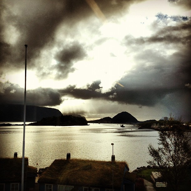 Today's weather is confusing. #rain #sun #wind #no #alesund #norway #nature #nice #or #not #whatever #today #yo  (Taken with Instagram)