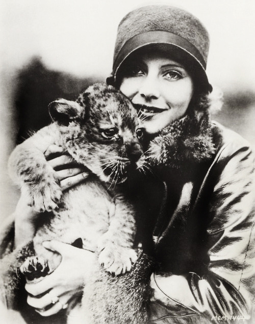 vintagegal:  Happy Birthday Greta Garbo  (September 18th, 1905 –  April 15th, 1990)