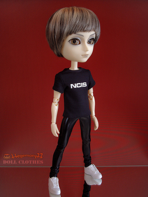 Taeyang doll in black - NCIS T shirt and shiny patent leather leggings pants on Flickr.Doll clothes and photo made by Hegemony77