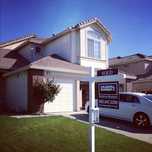 Bye house. Thanks for all these years. #livermore  (Taken with Instagram at 4892 Rhonda Lane)